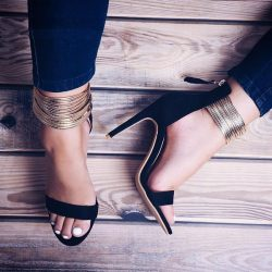 now that's what we call a good deal :) Golden Narrow Sandals from The Vogue Wear