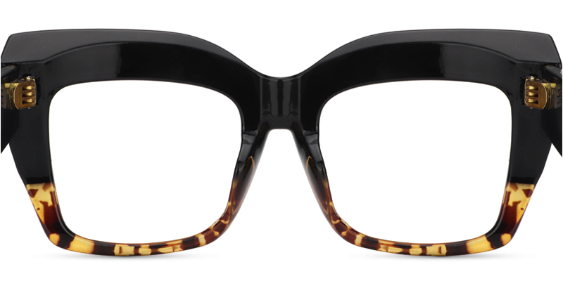 Alberta Cat Eye Tortoise glasses from Zeelool; we absolutely adore those stylish frames!