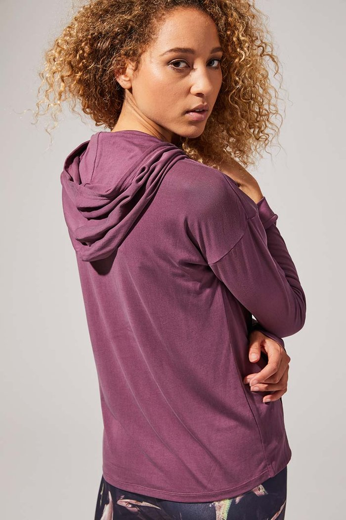 Check out theREVEL NATURAL MODAL HOODED SWEATSHIRT at mpgsport.Final Sale lovely peeps!